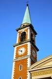 День колокола башни церков olona Olgiate солнечный Стоковое Изображение