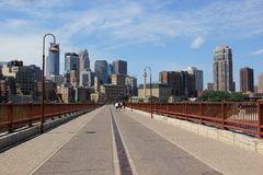 День лета солнечный в положение Миннеаполисе, Минесоте, Midwest США стоковое изображение rf