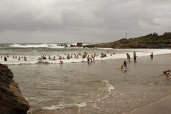 День пляжа шторма Uvongo тропический Стоковые Изображения