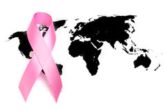 День рака мира: Лента осведомленности рака молочной железы на карте мира Стоковое Фото