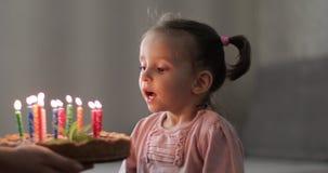 День рождения маленькой девочки сток-видео