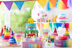 День рождения мальчика Торт для маленького ребенка Партия детей Стоковые Изображения RF