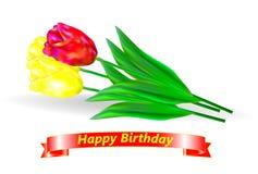день рождения счастливый Букет 3 красного и желтых тюльпанов с золотой лентой и приветствием дня рождения Стоковые Фото