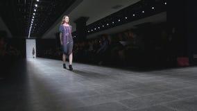 День Санкт-Петербург 2017 моды Мерседес-Benz видеоматериал
