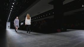 День Санкт-Петербург 2017 моды Мерседес-Benz сток-видео