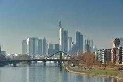 день туманнейший frankfurt городского пейзажа Стоковое Фото