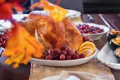 День Турция благодарения на таблице семьи стоковые фото