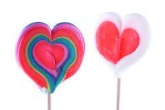 День ` s валентинки, в форме сердц леденцы на палочке Стоковое Фото