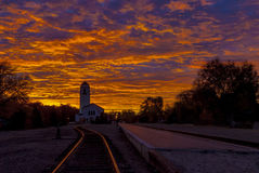 Депо поезда Boise с драматическим восходом солнца Стоковые Фото