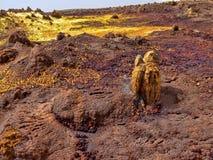 Депрессия Danakil умирает неимоверно яркие цвета которые делают кристаллы соли Эфиопия стоковое изображение