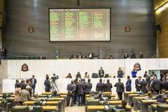 депутаты государства обсуждают законы внутри законодательная ассамблея государства Сан-Паулу стоковые изображения rf