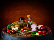 Деревенская вегетарианская еда стоковые фотографии rf