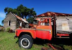 Деревенская красная тележка Стоковые Изображения RF