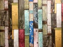 Деревенская красочная предпосылка деревянных доск Стоковые Изображения RF