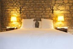 Деревенская спальня гостиницы стоковые изображения