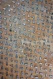 Деревенская текстура крышки люка grunge Стоковая Фотография RF
