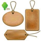 Деревенские деревянные ярлыки на веревочках Стоковые Фотографии RF