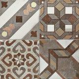 Деревенский бежевый дизайн мозаики стены, красивое оформление мозаики, кроет высокую мозаику черепицей разрешения стоковые фото