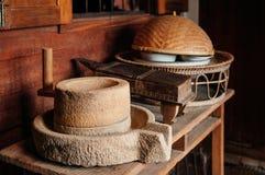 Деревенский винтажный античный точильщик жернова в тайской кухне d стиля Стоковые Фотографии RF