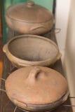 Деревенский керамический бак глиняного кувшина Стоковое Изображение
