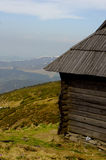 Деревенский коттедж в горах Стоковое фото RF