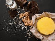 Деревенский местный молокозавод молоко сыра Стоковая Фотография RF