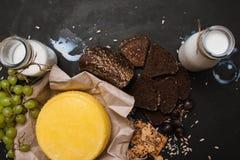 Деревенский местный молокозавод молоко сыра Стоковые Изображения