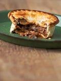 Деревенский пирог мяса и гриба Стоковое фото RF