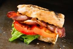 Деревенский сандвич BLT стоковая фотография