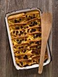Деревенский традиционный великобританский пудинг хлеба с маслом Стоковая Фотография RF