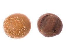 Деревенский хлеб изолированный на белой предпосылке Стоковое фото RF