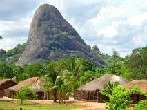 Деревня в горах. Фантастично красивый ландшафт. стоковое изображение rf