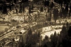 Деревня в зимнем времени Стоковые Изображения