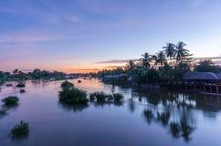 Деревня в Лаосе на острове Дон Det Стоковые Фотографии RF