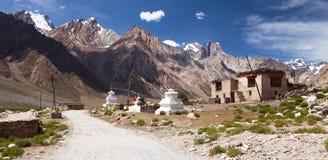 Деревня в долине Suru, ряде Kun монашки - индийских Гималаях Стоковые Фотографии RF