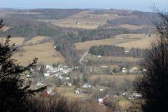 Деревня в холмах Стоковые Фото