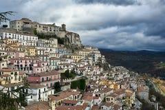 Деревня как шпаргалка: Muro Lucano, старый городок в южной Италии стоковые фотографии rf