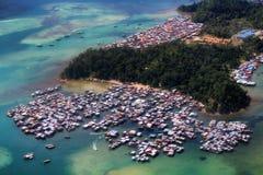 Деревня на воде Борнео Стоковые Фотографии RF