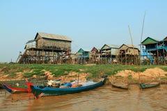 Деревня штепсельной вилки Kampong плавая, Камбоджа Стоковые Фото