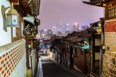 Деревня Bukchon Hanok, традиционная корейская архитектура стиля в s Стоковое Изображение RF