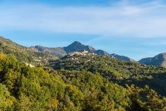 Деревня Coaraze горы старая, Коут d \ 'Azur Провансали Alpes, Франция стоковые изображения rf