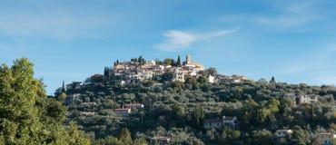 Деревня Coaraze горы старая, Провансаль Alpes Cote d'Azur, Франция стоковая фотография rf