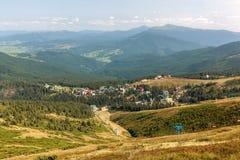 Деревня Dragobrat Прикарпатские горы, Ukraine стоковая фотография