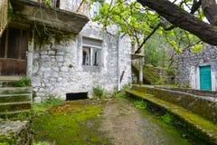 Деревня Godinje на Черногории Стоковые Изображения