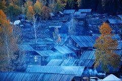 Деревня Hemu, красивое горное село в Синьцзян стоковая фотография rf
