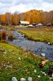 Деревня Hemu, красивое горное село в Синьцзян стоковое фото