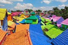 Деревня Jodipan Kampung Warna Warni с покрашенными красочными домами стоковая фотография