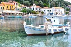 Деревня Kioni, остров Ithaca, Ionian острова, Греция Стоковые Изображения RF
