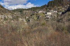 Деревня Kipoi и река горы, горы Pindus, Zagori, Epirus Стоковое Изображение RF