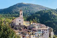 Деревня Luseram горы старая, Провансаль Alpes Cote d'Azur, Франция стоковые изображения rf